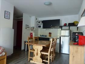 Appartment/Flat - PUY SAINT VINCENT - APPARTEMENT T3 6 PERSONNES AVEC BALCON