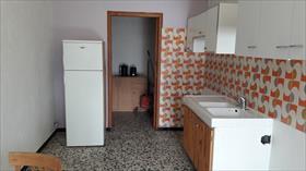 Appartement - EMBRUN - T2 Meublé en rez-de-jardin quartier des Vignes