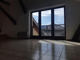 Appartement - Embrun - Grand T3 en triplex au cœur du centre-ville