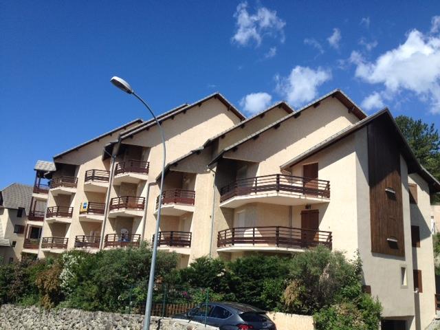 Appartement - EMBRUN - Joli T2 + garage PLAN D EAU