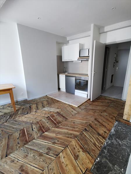 Appartement - Embrun - STUDIO rénové en plein cœur du centre ville